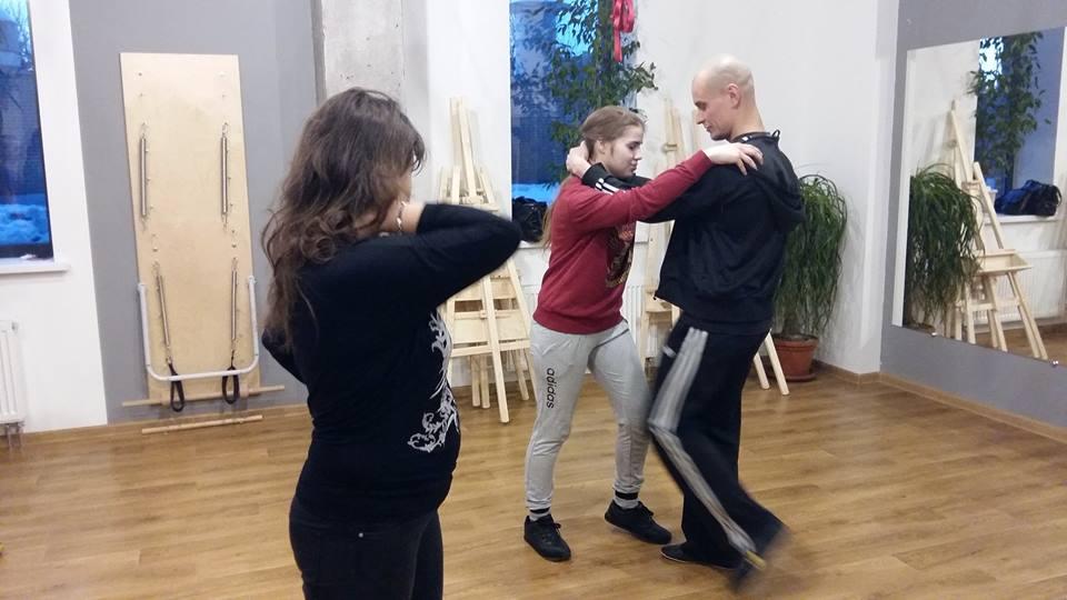 майстер-класи з жіночої самооборони