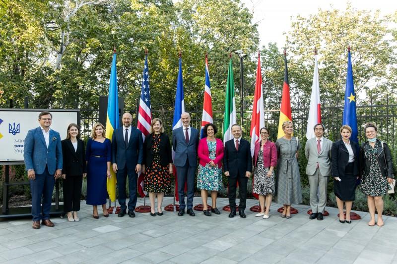 Україна отримала статус повноправної учасниці «Партнерства Біарріц»